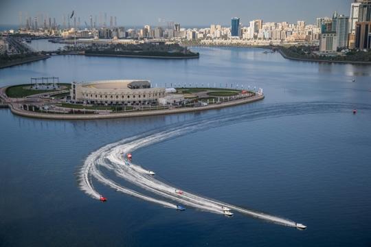 """沙迦大奖赛哈立德潟湖赛场有""""魔鬼赛道""""之称,且被视为F1摩坛的""""百慕大"""