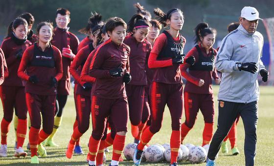 中国女足训练备战东亚杯