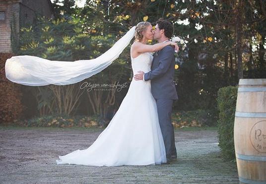 贝尔滕斯结婚