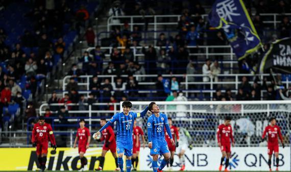 角球防守失误 上港0-1蔚山遭赛季首败