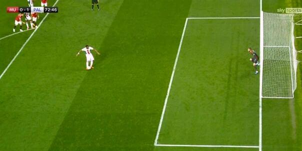 内维尔称曼联蒙冤:点球不该判 重罚更是荒唐