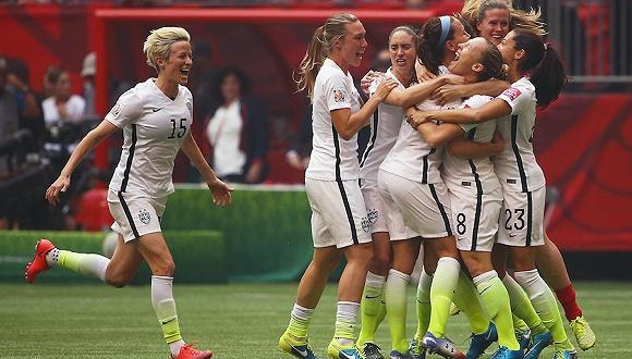 2015年世界杯美国女足庆祝夺冠。图片来源:视觉中国