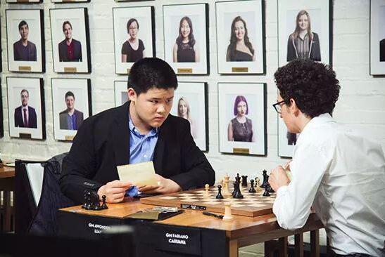华裔棋手梁世奇(Awonder Liang)顽强顶和头号种子卡鲁阿纳