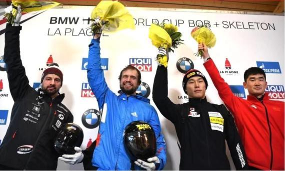 中国钢架雪车运动员首登世界杯领奖台