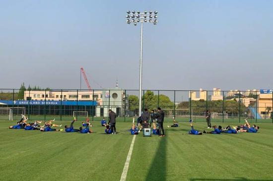 申花踢赛会制广州参赛遇考验 恒大富力来上海作战
