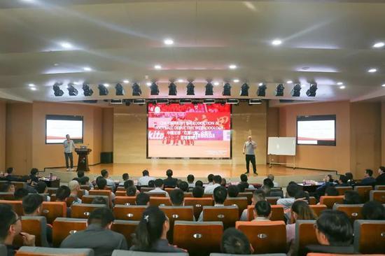 中国足协技术总监来鲁能足校指导工作 指点鲁能青训