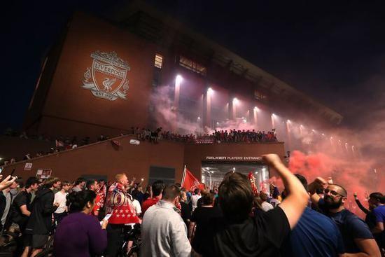 利物浦球迷实在等了太久了