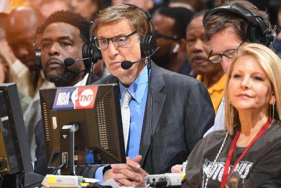 美��日增感染5�f+,NBA真的不要命了�幔�