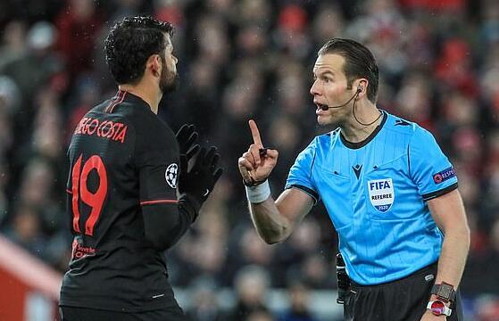 曼城欧冠对里昂公布主裁判 人选一出引发巨大争议