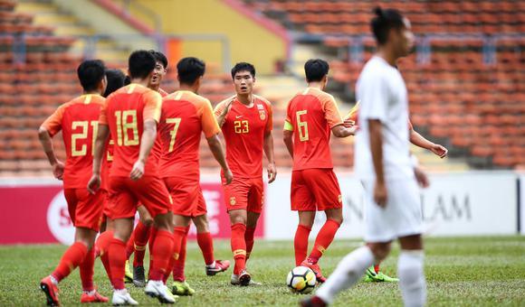 $张玉宁胡靖航造六球 国奥8-0菲律宾