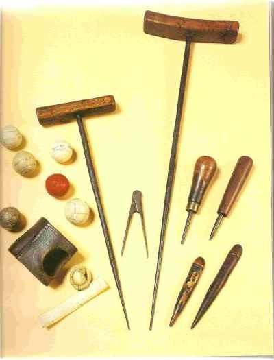 制作羽毛球的工具