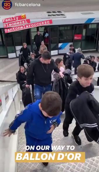 梅西妻子和儿子陪同前往巴黎