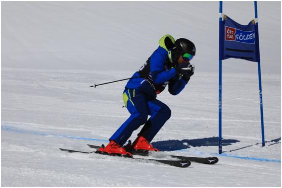 奥地利滑雪传奇本杰明-莱希在新浪杯比赛中