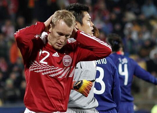 卡伦博格在南非世界杯与日本队的比赛中