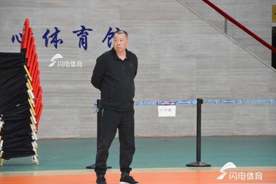山东输给浙江的比赛,吴庆龙外示球员跟梦游似的