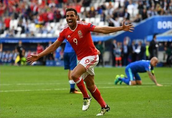 英超名将宣布退出威尔士队 欧洲杯世界波斩比利时