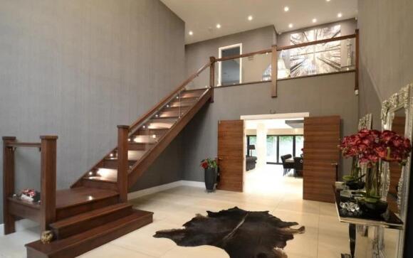 曼联大将离队挂牌出售豪宅 卖350万或月租2万2