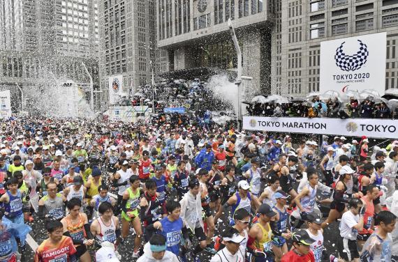 2019年3月3日,东京马拉松开跑,本届比赛吸引了3.8万名选手参赛。新华社/共同社