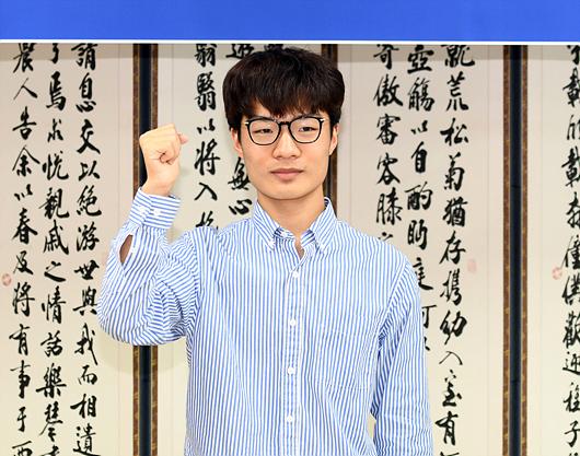 韩棋迷:文敏钟实力世界一流 成为下一个李世石吧