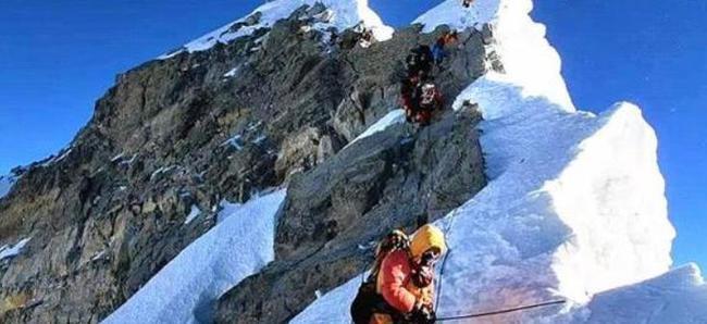 四位尼泊尔夏尔巴人计划用五天时间登顶珠峰