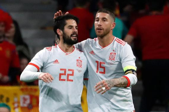 视频集锦-梅西缺阵伊斯科戴帽 西班牙6-1狂胜阿根廷