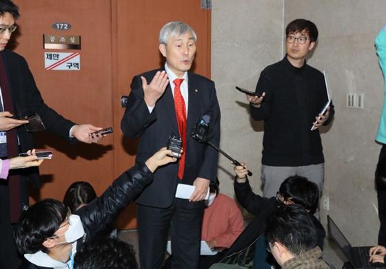 曹薰铉:政治不适合我 完成了围棋给我布置的作业