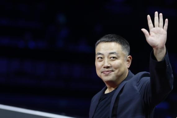 图为2019年6月2日,中国乒乓球协会主席刘国梁在深圳进行的国际乒联世界巡回赛2019中国乒乓球公开赛现场。新华社记者王东震摄