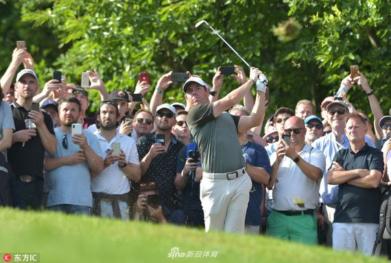 视频-PGA锦标赛移动日麦克罗伊集锦 71杆并列领先
