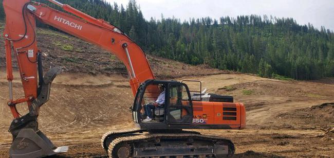 昔日湖人萨基石晒近照 他已成为1名挖掘机司机