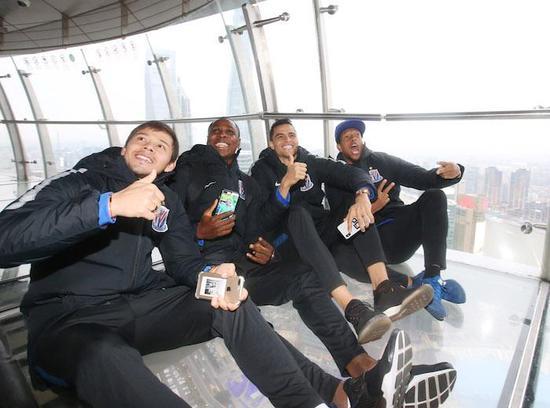 申花外援四巨头首次同框 中超银靴有信心赢下上港
