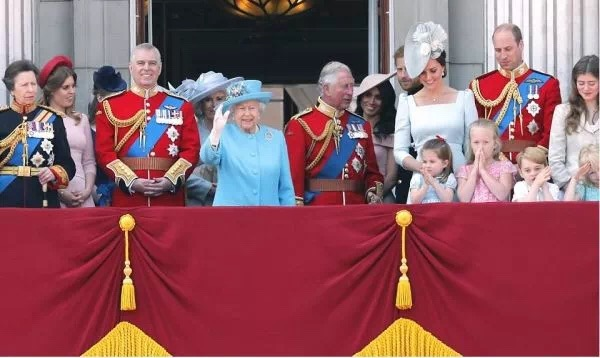 英女王92歲生日現場