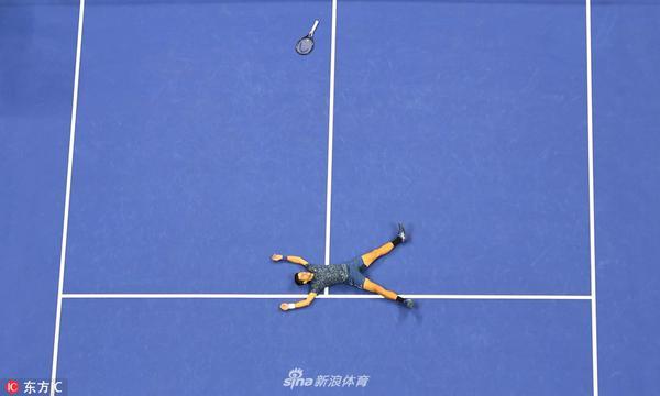 高清-美网小德3-0波特罗 夺得冠军躺地庆祝