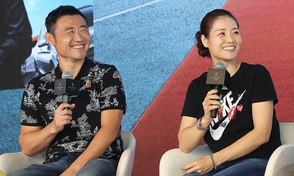 高清-李娜与姜山现身中网 出席活动