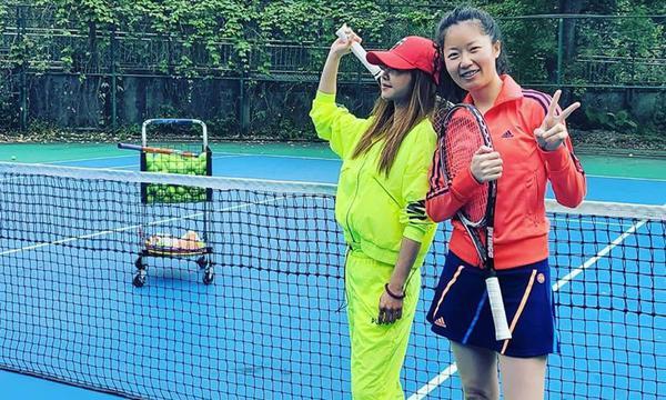 高清-蔡依林晒打网球美照