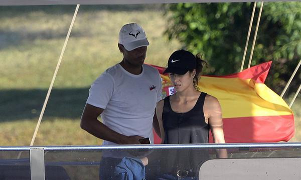 高清-纳达尔和妻子打扫私人豪华游艇