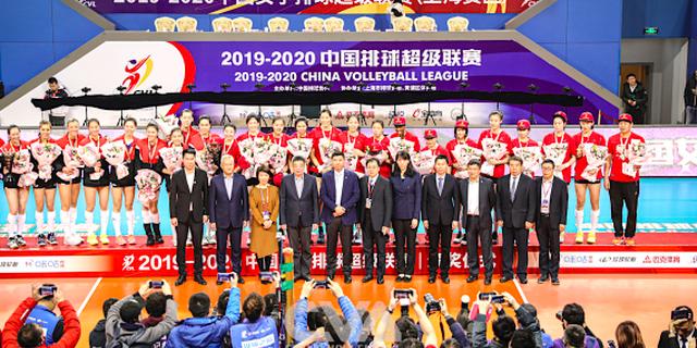天津女排十三连胜问鼎 夺队史第十二冠