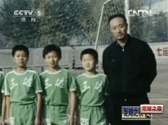 赵本山:中国足球是一盘好菜,但夹菜的筷子有毒