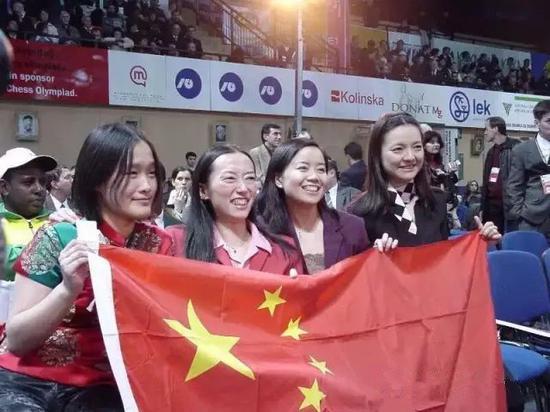 2002年中国国象女队奥赛三连冠