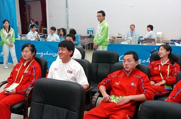 ▲亚运会,等待对局的朝鲜选手