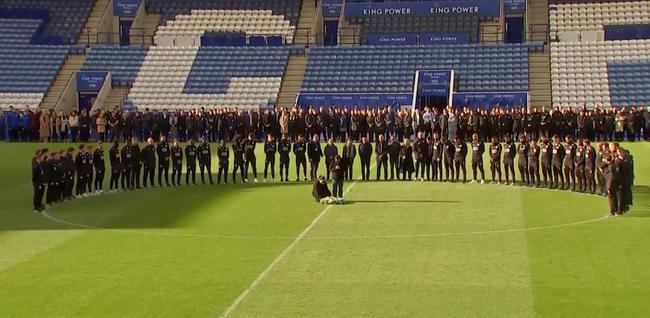 莱斯特主场举行告别仪式 主席家属与球员含泪拥抱