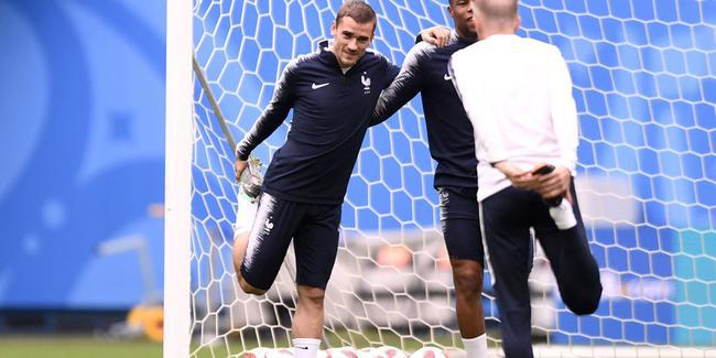 法国队训练备战半决赛,姆巴佩缺席