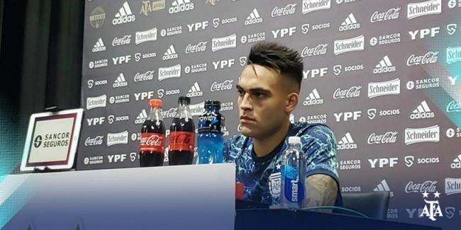 劳塔罗:这支阿根廷收获了球迷认可 今天我很激动