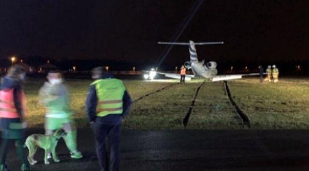 【博狗扑克】比利时国脚回国疗伤遭遇惊魂 飞机降落冲出跑道
