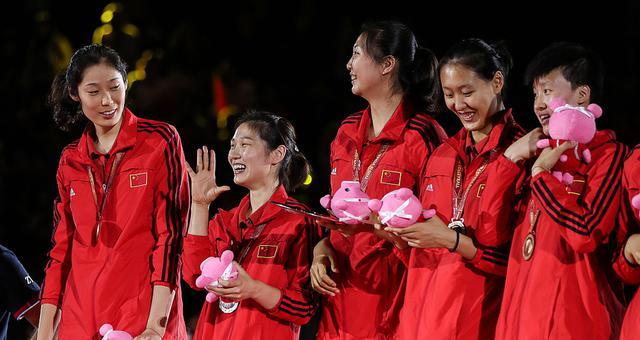 女排世锦赛颁奖仪式 中国女排摘铜