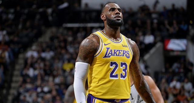 NBA-詹皇砍35分 湖人惜敗負馬刺