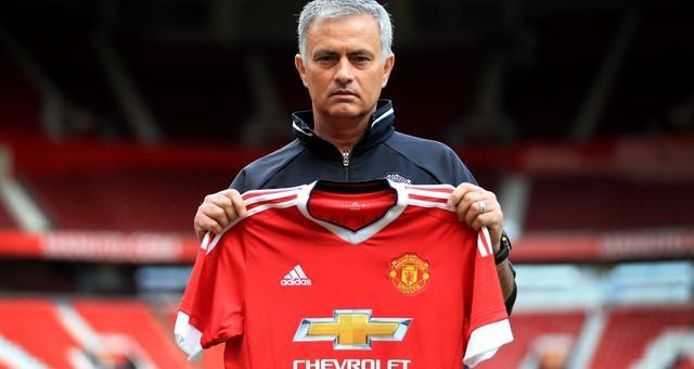 曼联宣布穆里尼奥下课 三年红魔生涯回顾
