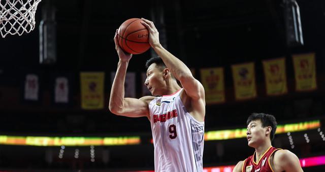 CBA-阿联22+10登顶篮板榜 广东胜浙江