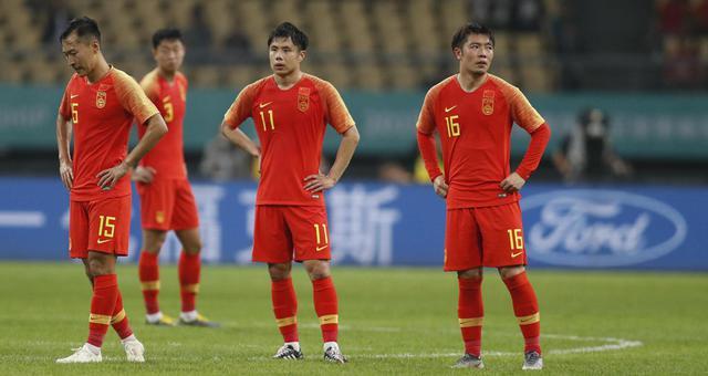 中国杯-后防屡遭险情国足0-1泰国