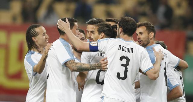 中国杯-乌拉圭3-0乌兹将与泰国争冠
