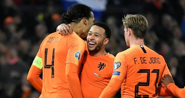 荷兰4-0大胜 熟悉的橙衣军团回来了